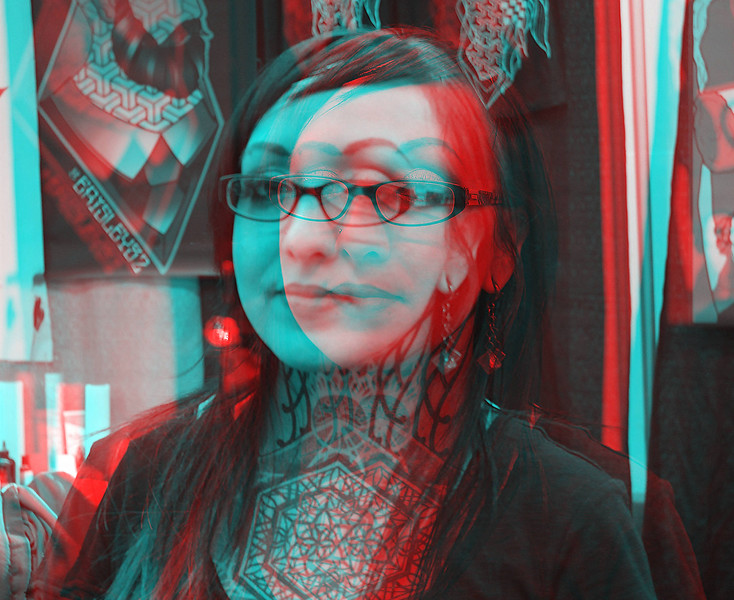 woman with neck tattoo_anaglyph.JPG