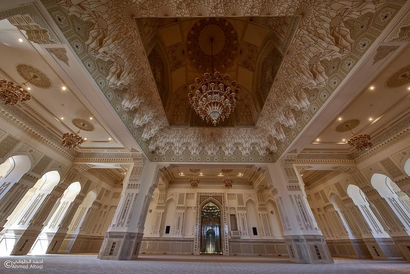 Sultan Qaboos mosque -- Sohar (45).jpg