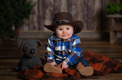 Leo Richardson 6 Month Milestone Baby Portraits