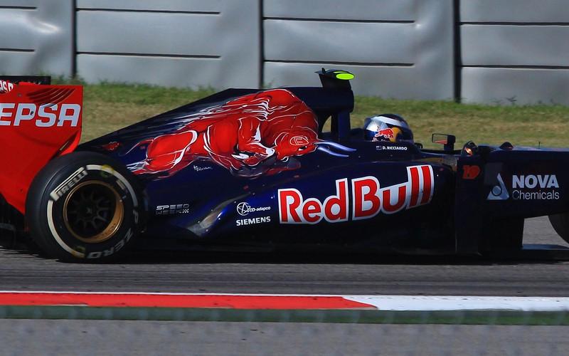 aaGrand Prix 2013 353 FINAL, Ricciardo, side cropped.JPG