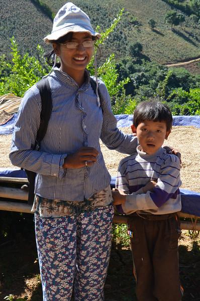 DSC_4176-trek-guide-with-village-boy.JPG