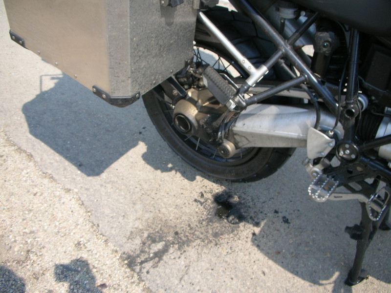 BMW R1200GS final drive fire! September 2006 - See photo 1 for more info