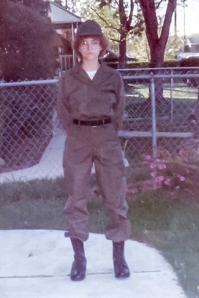 1981  Nancy in uniform0000.jpg