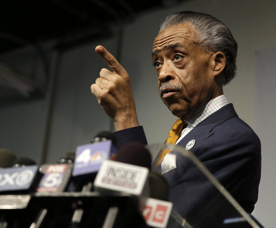 ". <p>6. (tie) AL SHARPTON <p> His revisionist history of his FBI dealings conveniently omits the word �cocaine.� (6) <p><b><a href=\'http://www.thesmokinggun.com/documents/Al-Sharpton-918273\' target=""_blank\""> HUH?</a></b> <p>    (AP Photo/Seth Wenig)"