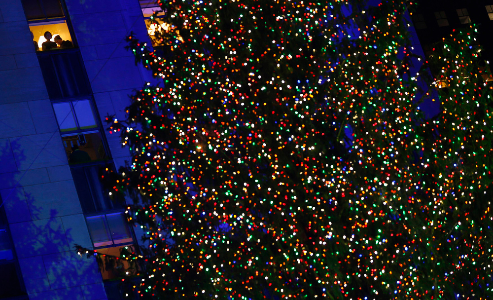. The tree is lit for the 80th Annual Rockefeller Center Christmas Tree Lighting Ceremony in New York, November 28, 2012. REUTERS/Carlo Allegri