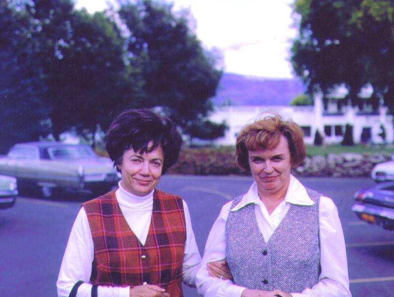 Bonnie & Bette at The Homestead  002.jpg