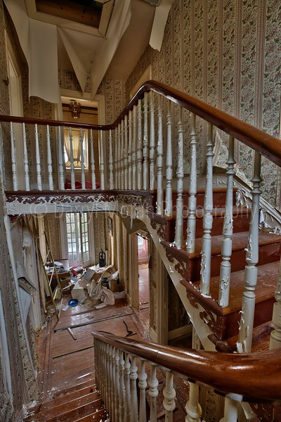 Abandoned Dr's Mansion (43).jpg