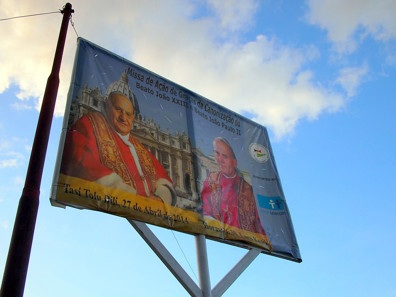 P5258883-the-two-popes.JPG