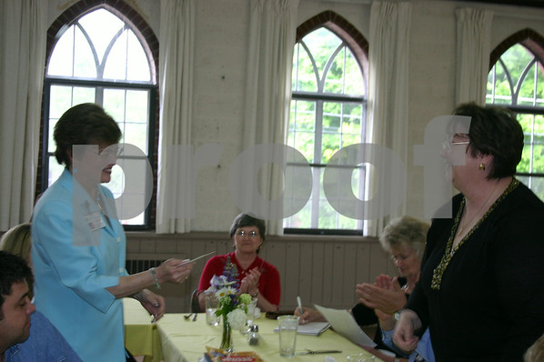 UCMH Ladies Auxiliary Presents Awards - May 2006