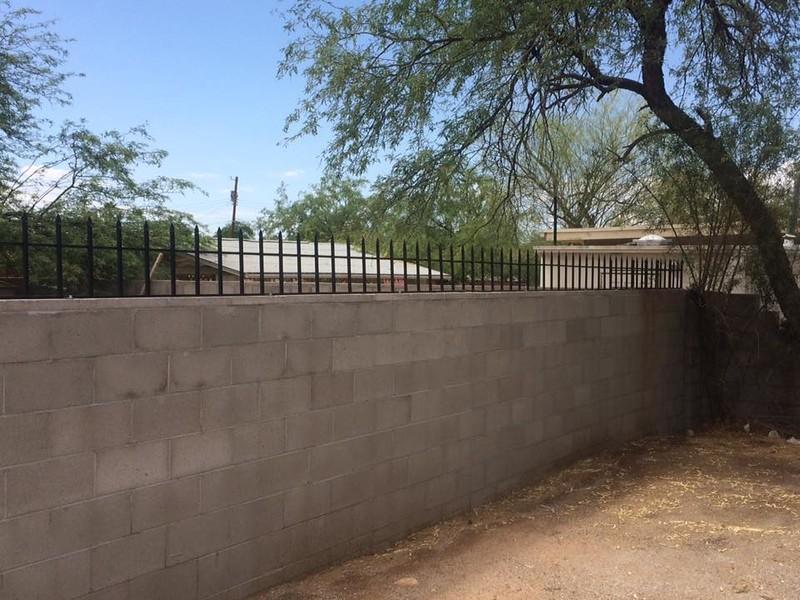 fencing on wall 3.jpg