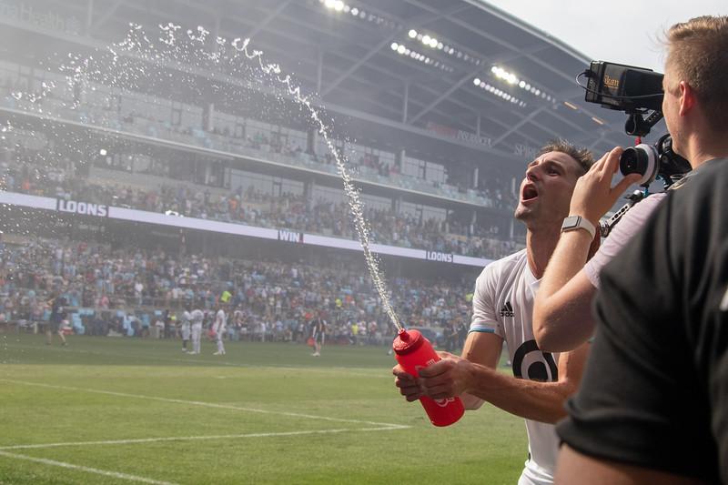 Ethan Finlay, Water bottle