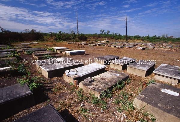 JAMAICA, Kingston. Hunts Bay Cemetery. (2008)