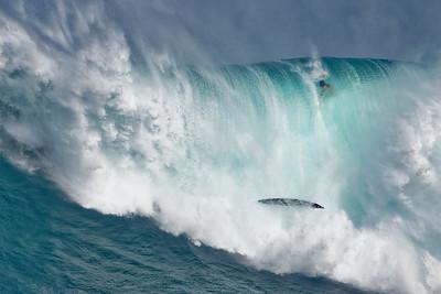 2018-11-23 Maui Peahi Big Wave and Haleakala Milky Way