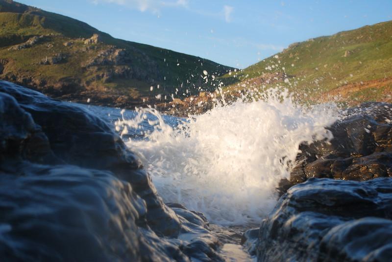 Rockpool wave.JPG