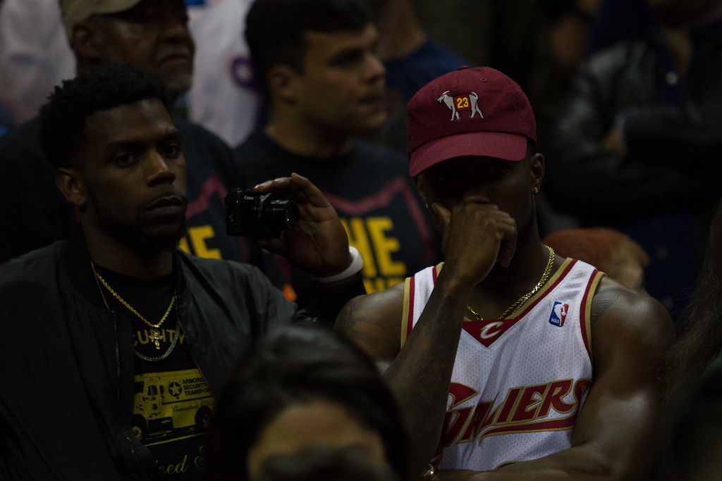 . Cleveland Cavaliers fans show their frustration as the Cavs lost to the Golden State Warriors 118-113 in game 3 of the NBA Finals on June 8, 2017.
