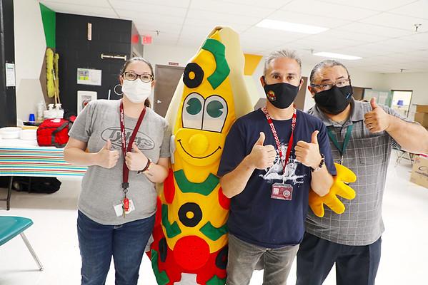Papa Johns Treats EISD Teachers to Lunch