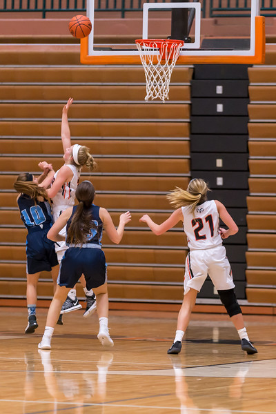 Rockford JV basketball vs Mona Shores 12.12.17-53.jpg