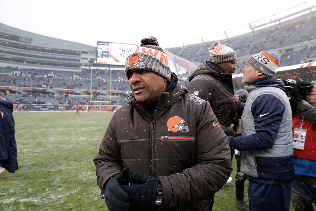 . Cleveland Browns head coach Hue Jackson walks off the field after losing to the Chicago Bears 20-3 in an NFL football game in Chicago, Sunday, Dec. 24, 2017. (AP Photo/Nam Y. Huh)