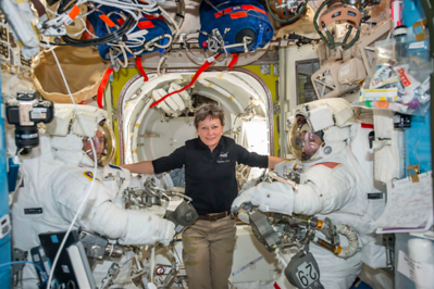 trump-makes-long-distance-phone-call-to-space-congratulates-us-astronaut