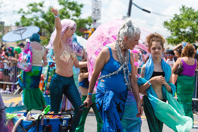 2019-06-22_Mermaid_Parade_1924.jpg