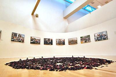 Slideshow - Ecuador September 30th Memorial, 2011