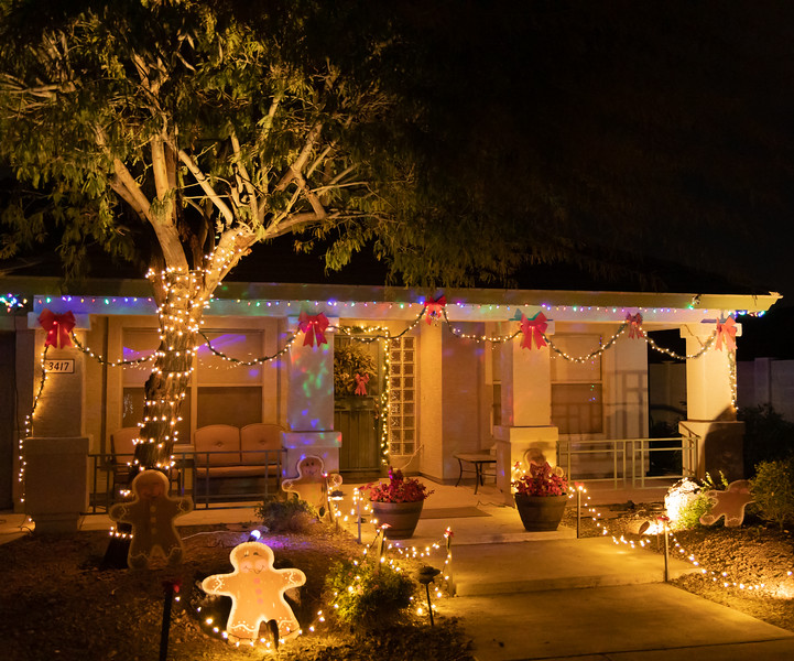Phoenix Adobe Highlands Neighborhood Lights December 24, 2018  24.jpg
