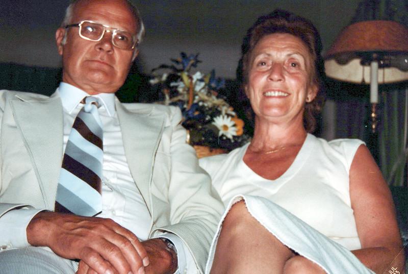 1982 Doc and Vivian.jpeg