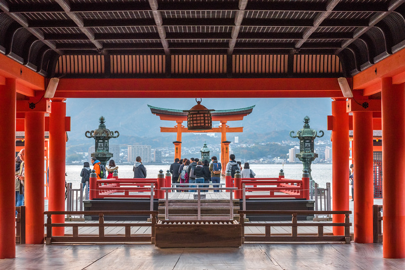 Itsukushima-Shrine-2.jpg