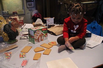 Joss makes Gingerbread house 112814
