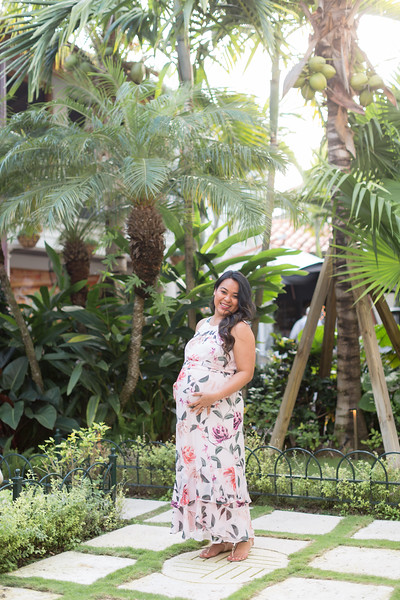 Serena Maternity Session-10.jpg