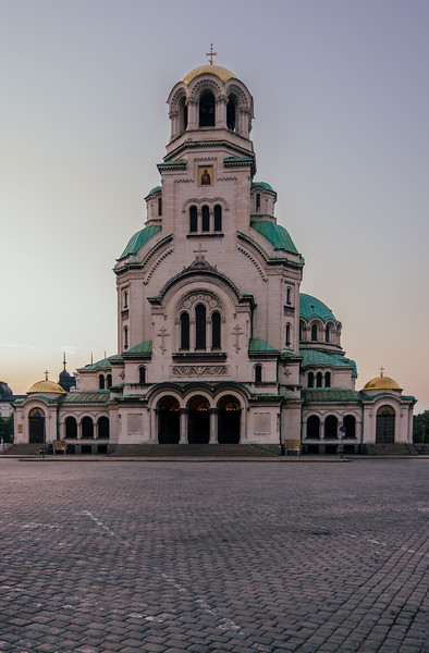 Alexander Nevsky Cathedral at sunrise with a slightly increased red tone curve - Using single color channel Tone Curves - After exploring the RGB Tone Curve, it is now time to examine what we can achieve by using the Red, Green, and Blue Color Channels of the Tone Curves.