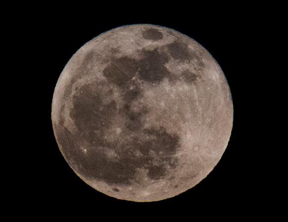 Full moon1.jpg