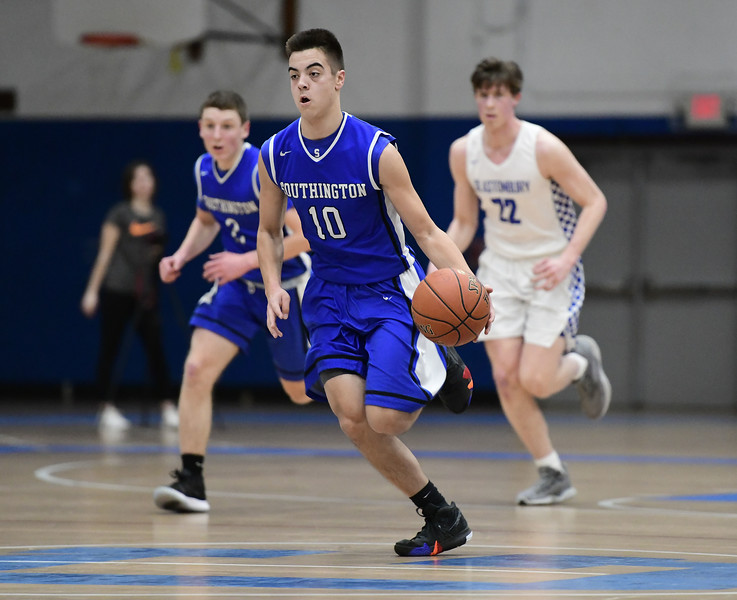 3/6/2019 Mike Orazzi | Staff Southington's Jared Kelly (10) during Wednesday night's Division II Second Round State Boys Basketball Tournament with Glastonbury at Glastonbury High School.