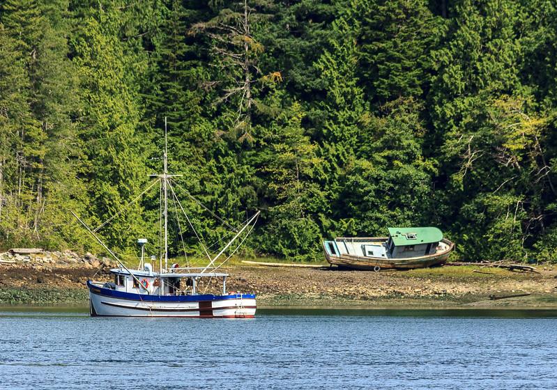 Beached fishing boat.jpg