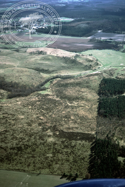 Maglehems ora [Ohra] - with plantations, buildings and prehistoric remains (24 May, 1985). | LH.0398
