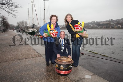 Mickey Ruane is pictured with Siobhan Caulfield from Bryson Lagansports and Andrea Mulligan from Tiny Life charity at the launch of a Dragon Boat Race which will take place on the 14th May. R1609025