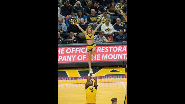 WVU cheerleaders and halftime