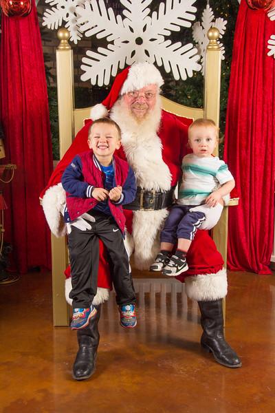 Santa 12-16-17-396.jpg