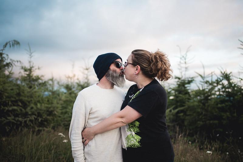 Travel Adventure Wedding Photographer - Mt Rainier - Rose-61.jpg