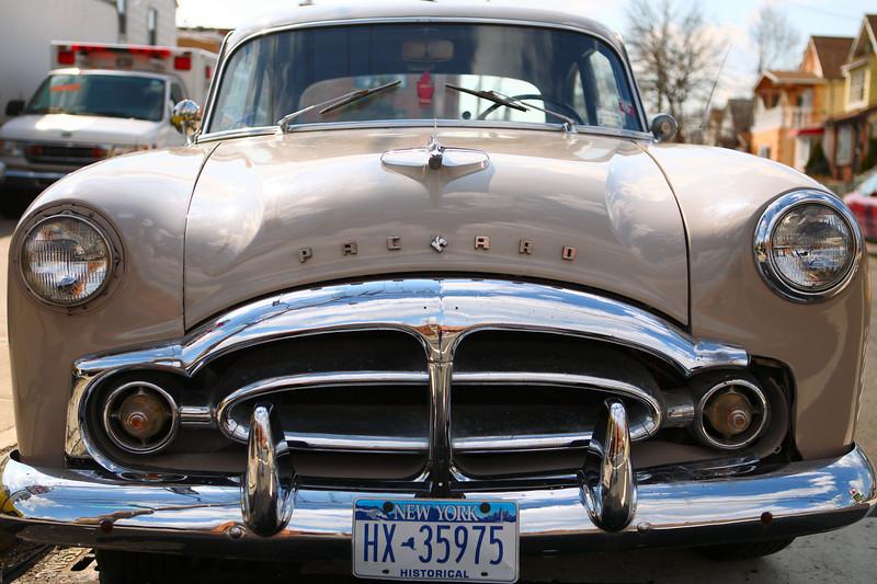 Queens_Packard_1954.JPG