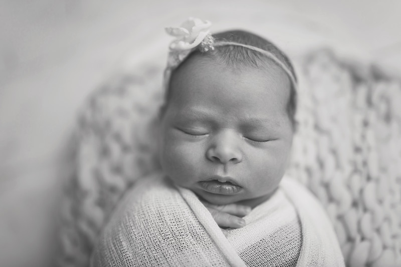 Kaylyn NewbornBW-12.jpg