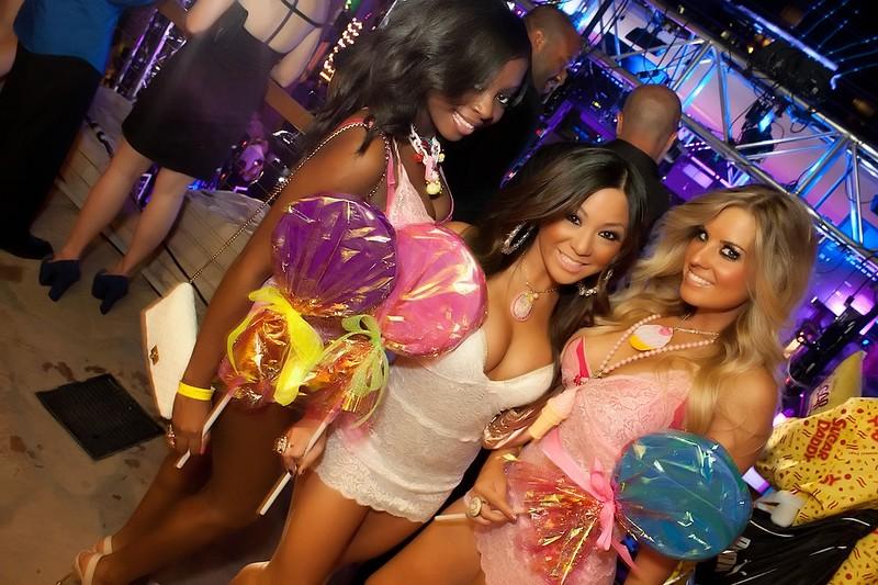 090112 Chris Brown @ Hard Rock Pool (57 of 103)_filtered.jpg