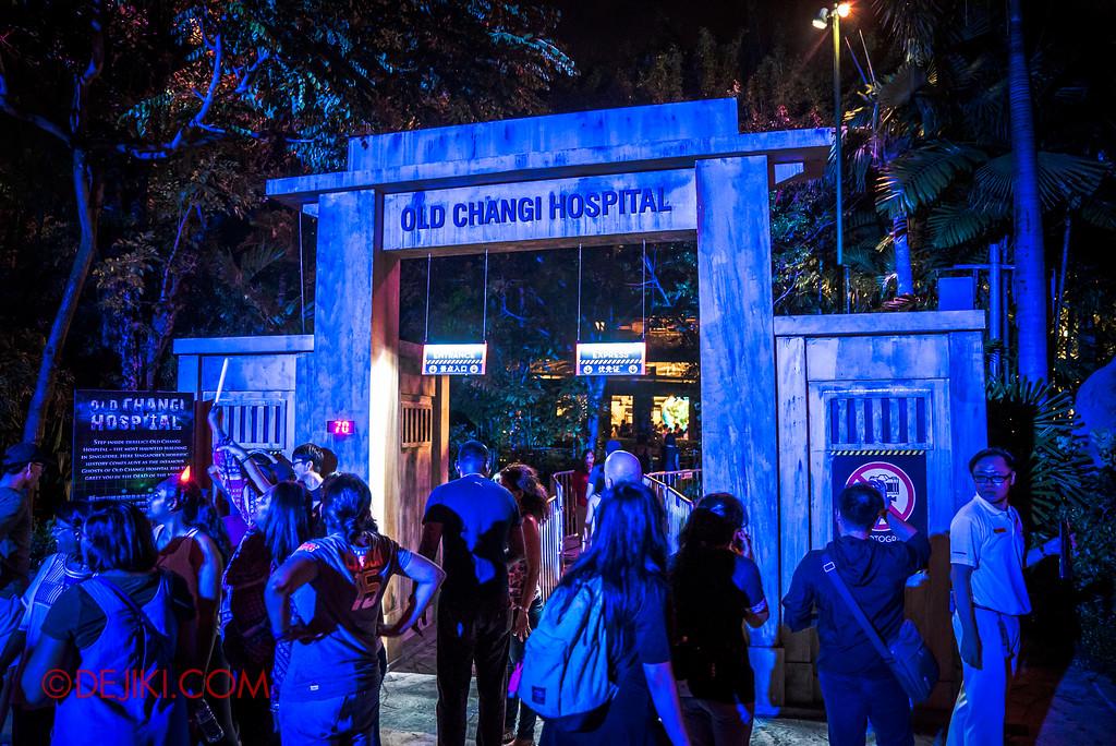 Halloween Horror Nights 6 SURVIVAL GUIDE by Dejiki.com / Old Changi Hospital entrance