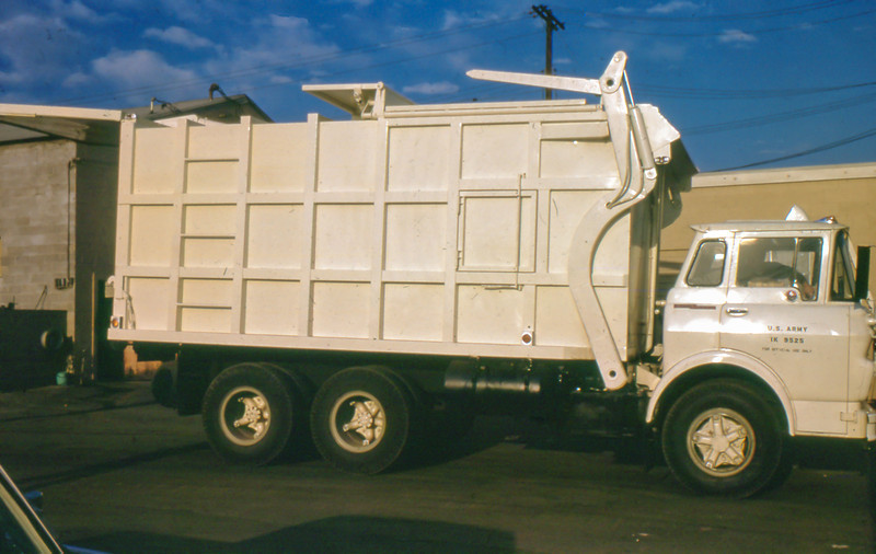 US Army GMC Steel Cab Bowles FL3 Full Pack (Dec 63).jpg