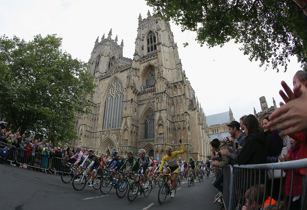 . YORK, ENGLAND - JULY 06:  The peloton leaves the start of stage two of the 2014 Le Tour de France from York to Sheffield on July 6, 2014 in York, United Kingdom.  (Photo by Doug Pensinger/Getty Images)