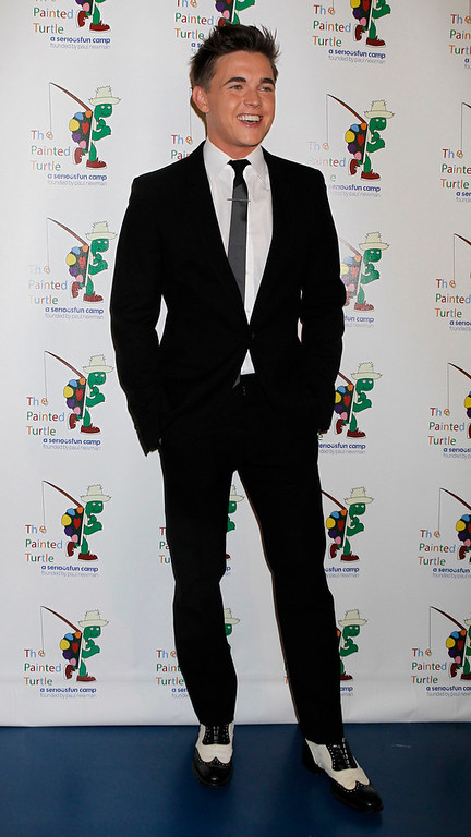 """. Singer Jesse McCartney poses at \""""A Celebration of Carole King  And Her Music\"""" concert to benefit Paul Newman\'s The Painted Turtle Camp in Hollywood December 4, 2012. McCartney performed at the concert. Clayton performed at the concert. The Painted Turtle Camp provides year round camp and hospital outreach programs to children with chronic and life-threatening illnesses at no charge. REUTERS/Fred Prouser"""