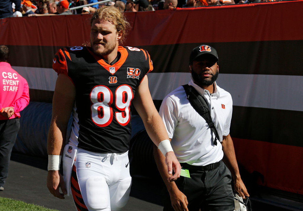 . Cincinnati Bengals tight end Ryan Hewitt (89) walks back to the locker room in the second half of an NFL football game against the Cleveland Browns, Sunday, Oct. 1, 2017, in Cleveland. (AP Photo/Ron Schwane)