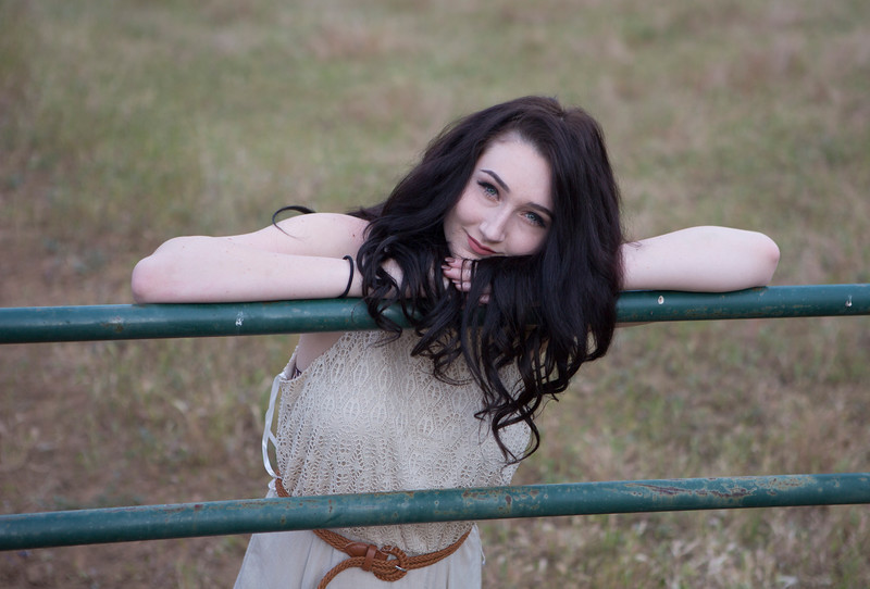 Abby Portrait Round Valley-_85A7012-.jpg