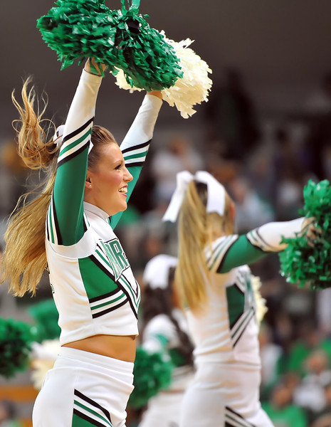 cheerleaders0527.jpg