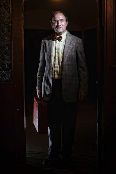 kyle-cassidy-curio-theatre-september-2012-runner-stumbles-006.jpg
